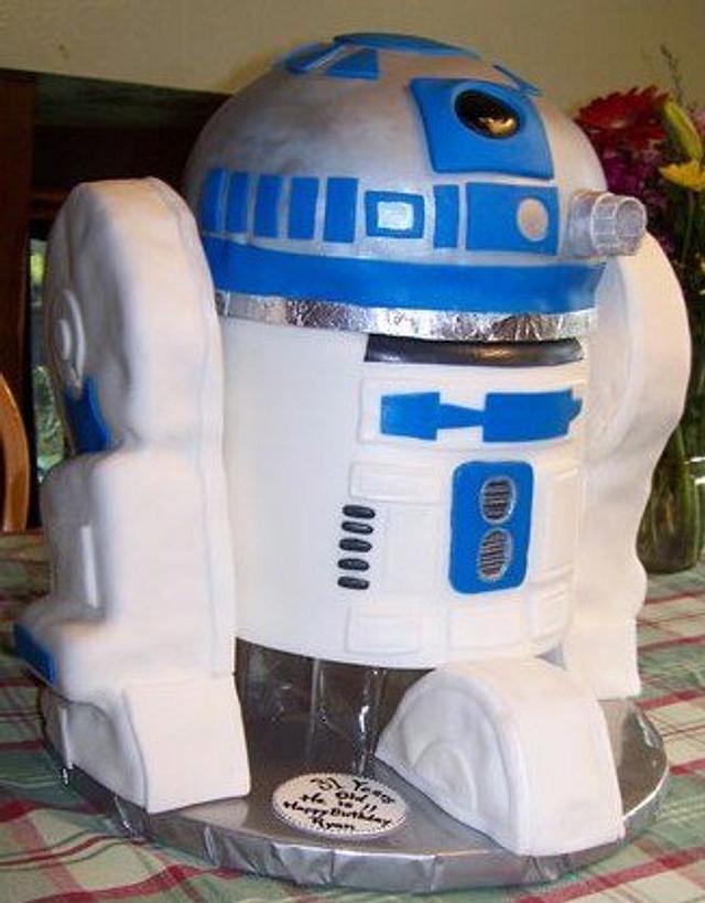 R2D2- robot cake