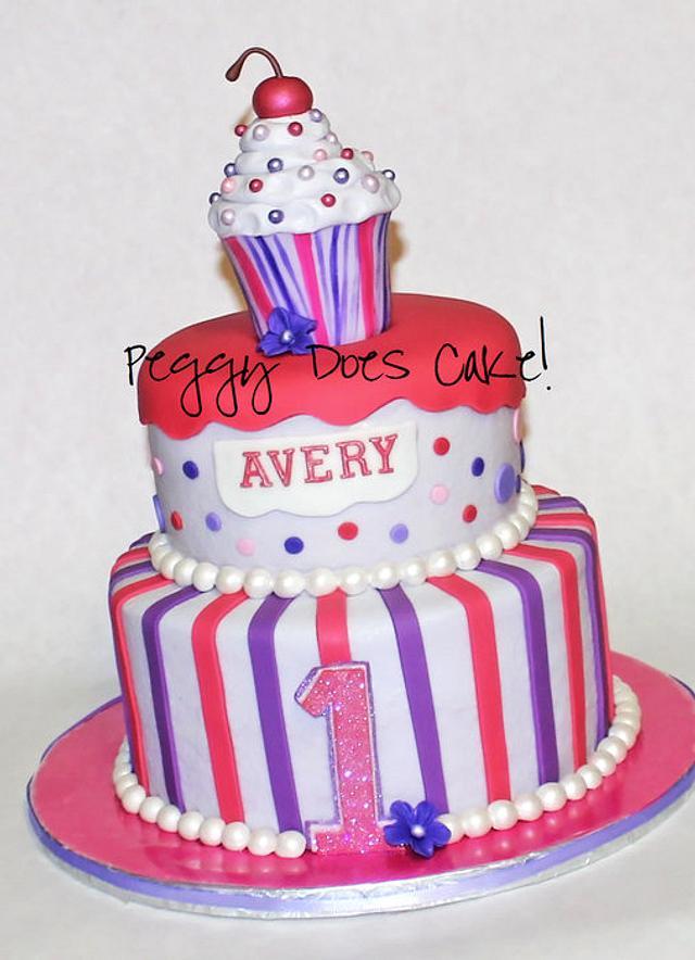 Lil Cupcake Cake