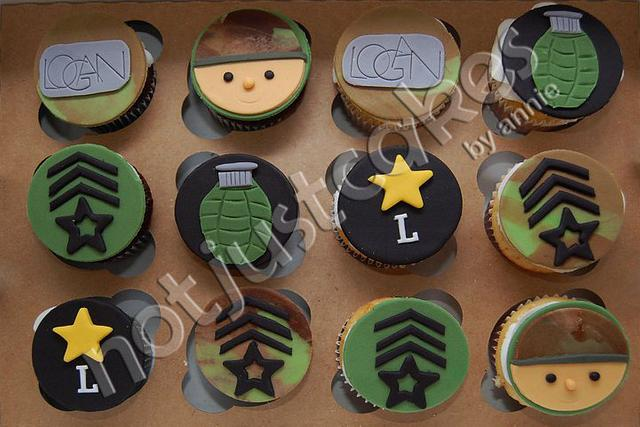 Army Themed Cupcakes