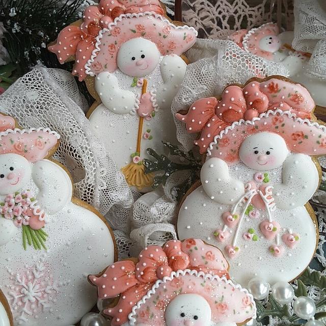 Snow ladies in pink