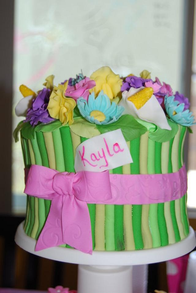 Flower Bouquet Cake & Cupcakes