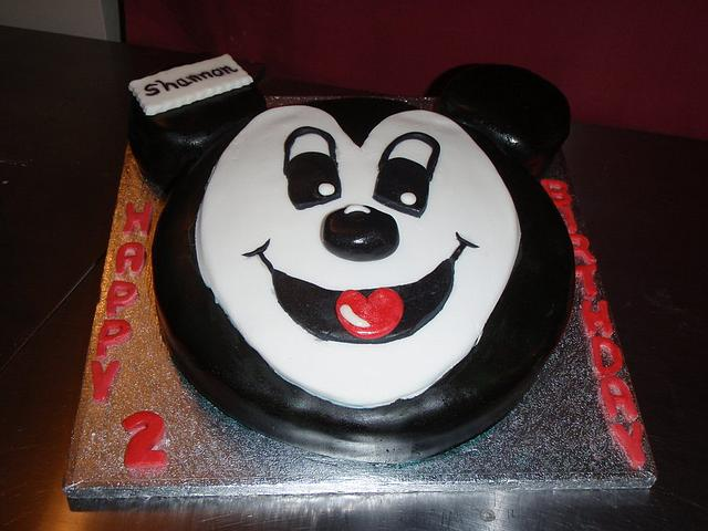 Mickey mouses cake