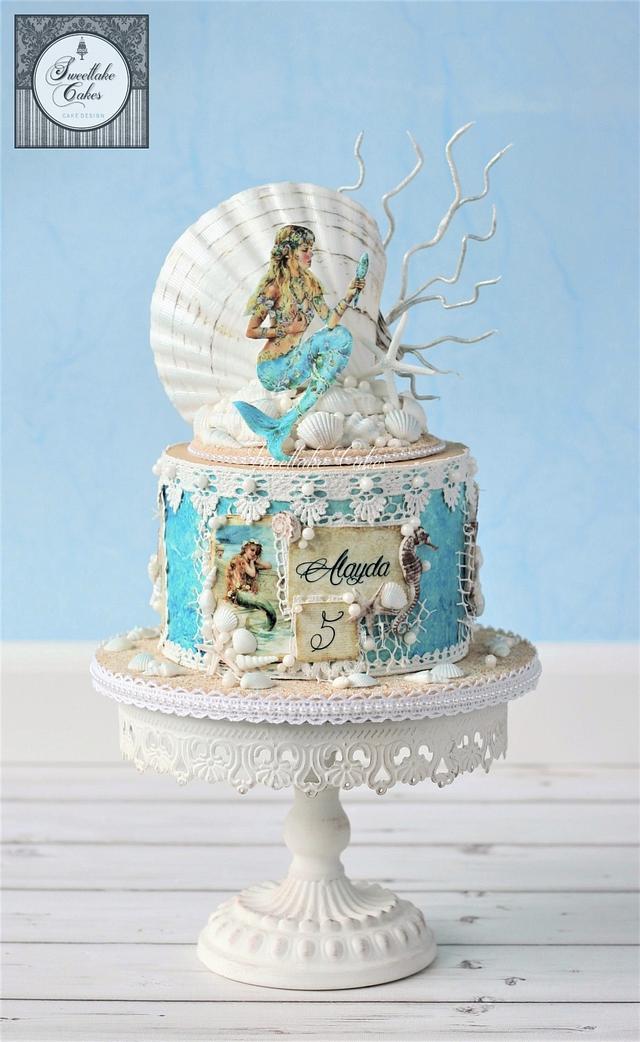 Vintage mermaid cake