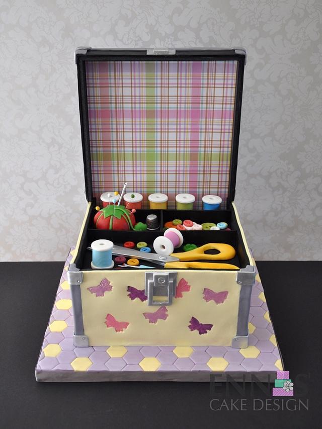 Sewing kit Cake