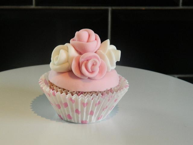 5 Rose cupcake