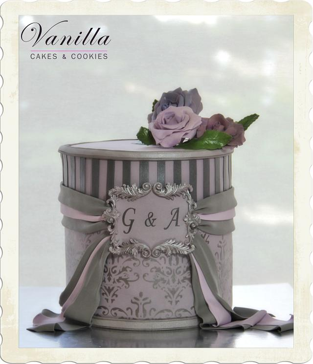 Lilac&silver engagement cake