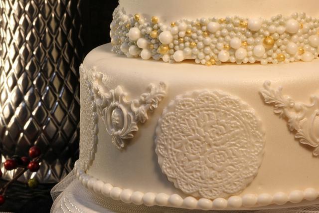 Small Holiday Wedding Cake
