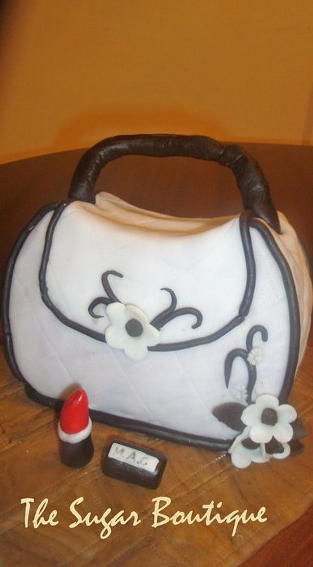 Hand bag cake for a fashionista