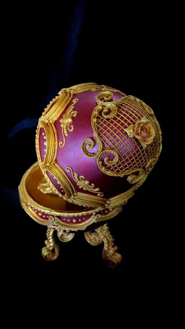 Faberge Egg Royal Icing