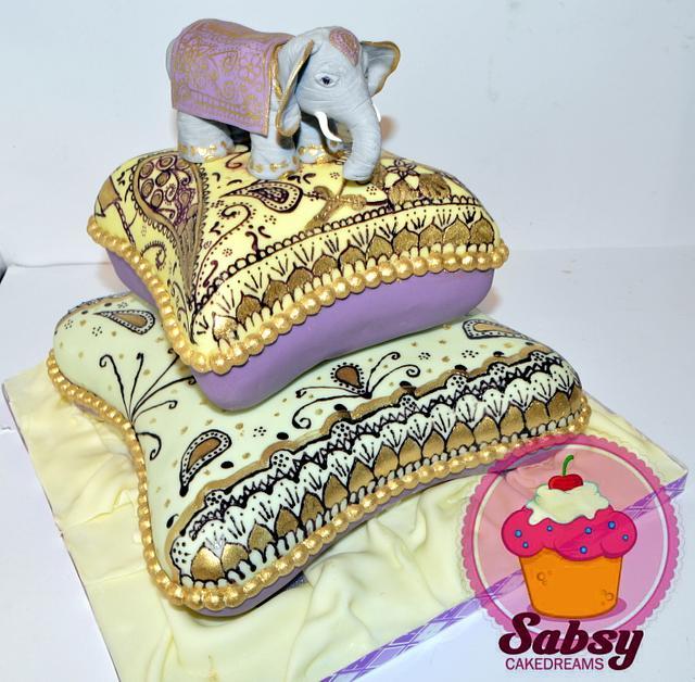 Bollywood babyshower cake