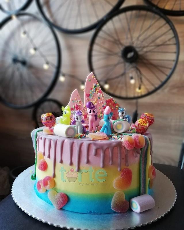 My little pony drip cake