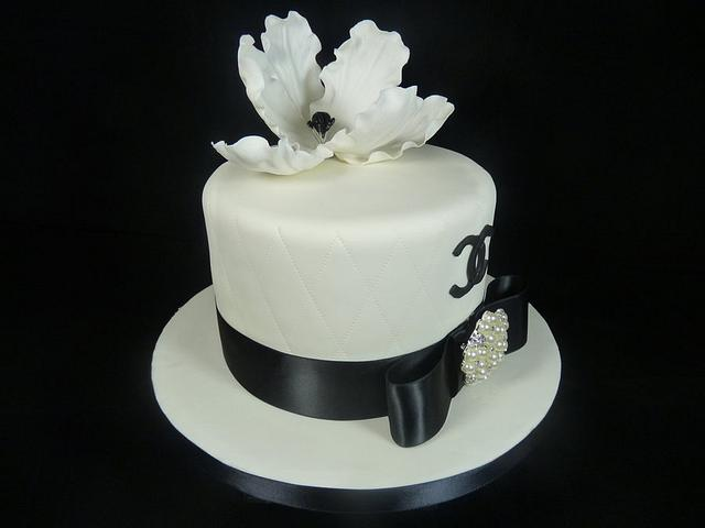 Monochrome Chanel Inspired Cake