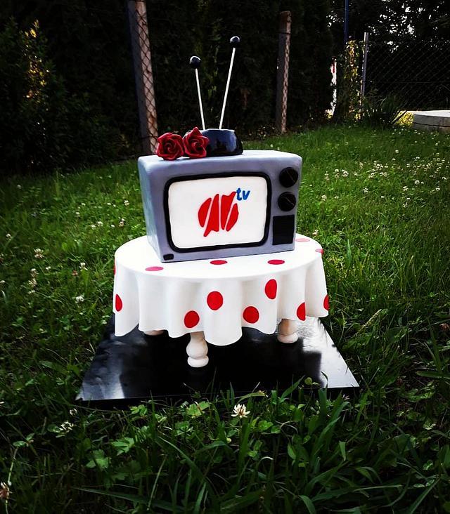 3D TV cake