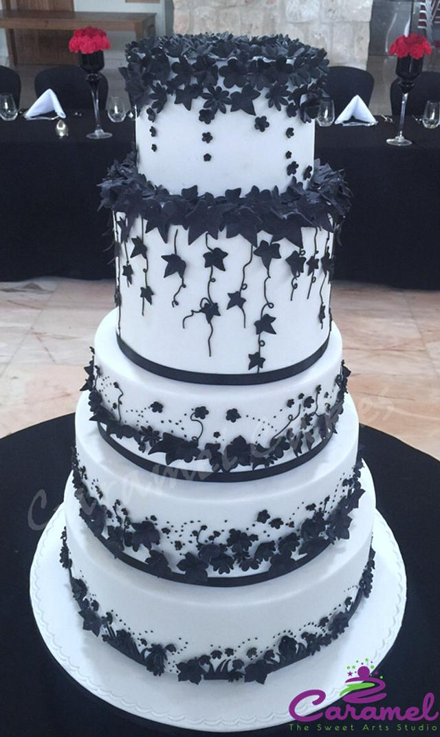 Black N White Wedding Cake