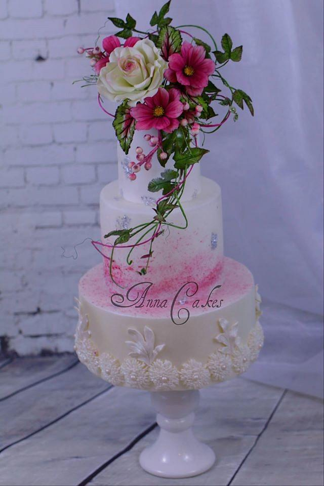 Rose and cosmos bouquet cake