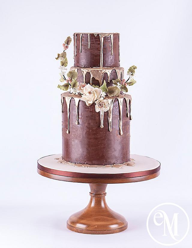 Molten gold & chocolate cake
