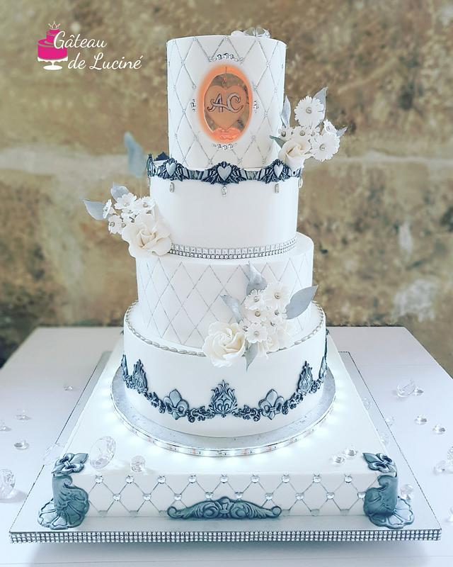 Luminous wedding cake