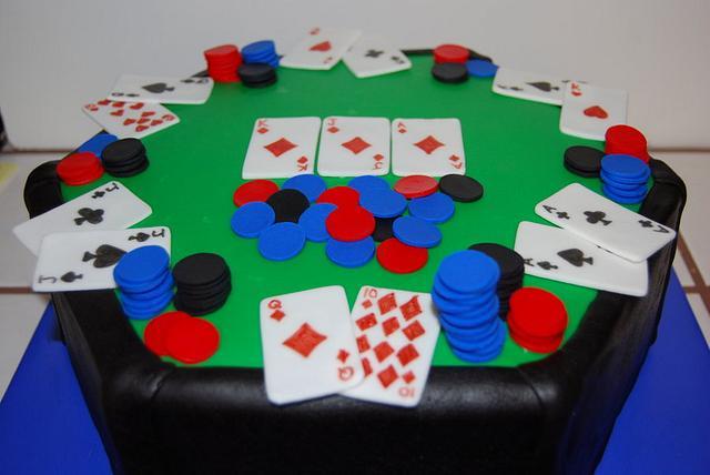 Texas Hold'em Cake