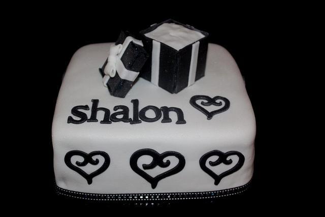 Ring Box cake