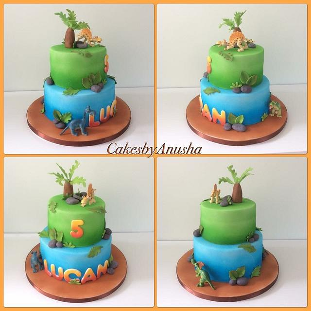 Dinosaur cake.