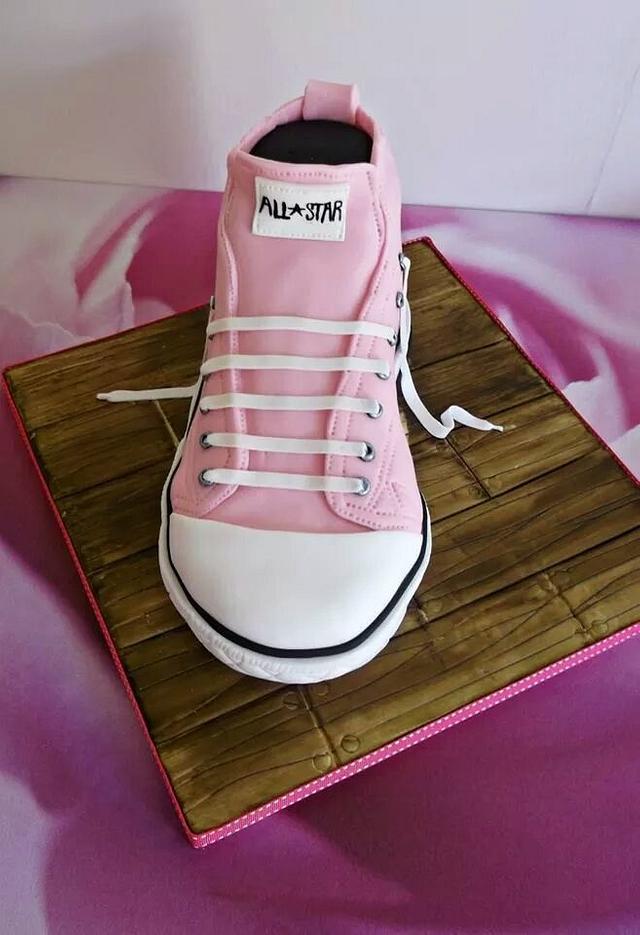 latest cake converse shoe
