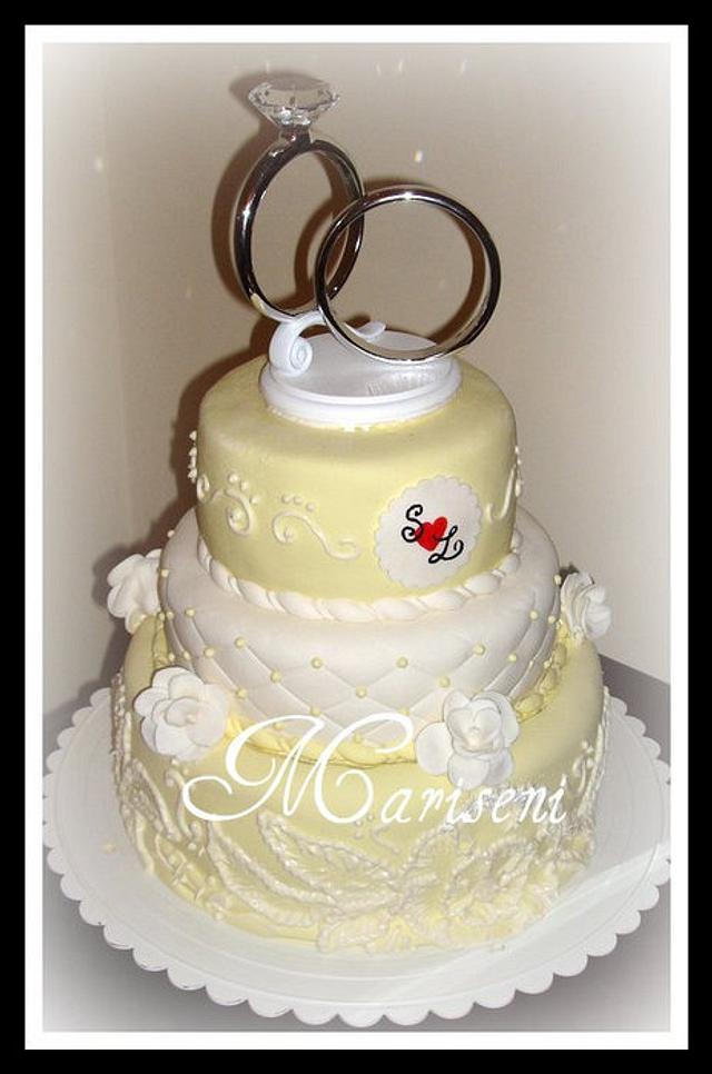 White & Yellow Wedding Cake