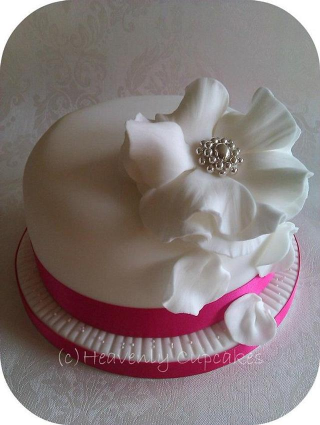 """6"""" Top tier Wedding Cake"""