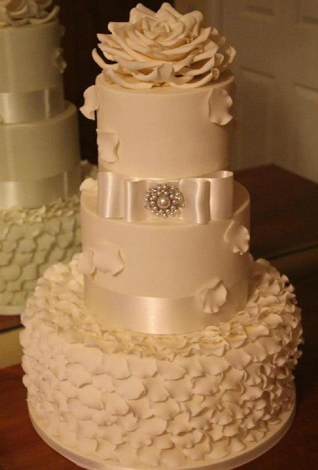 Ruffles & Rose Wedding Cake.