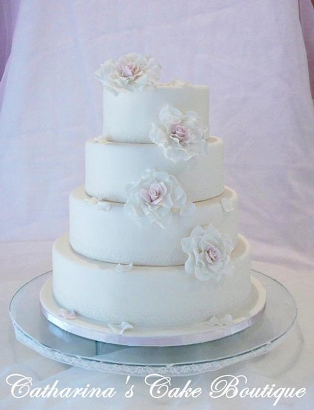 Romantic Elegant wedding cake
