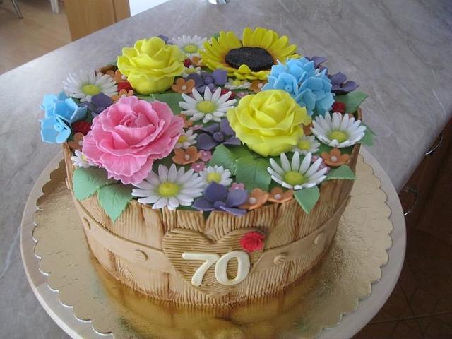 Birthday cake - with flowers
