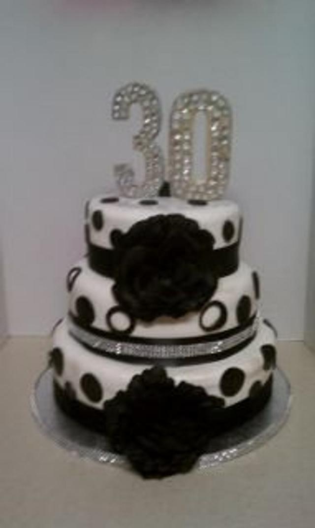balck & white Cake