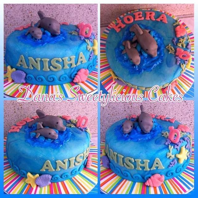 Dolphin sea cake