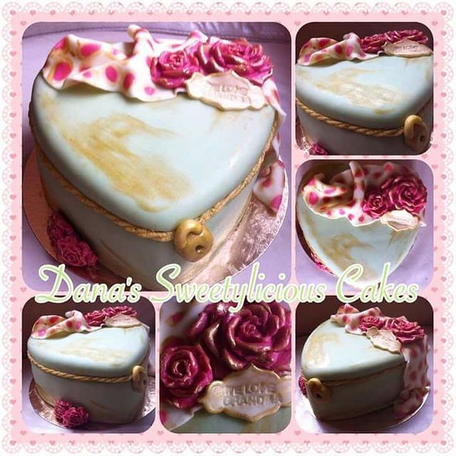 Old style gift cake box heart