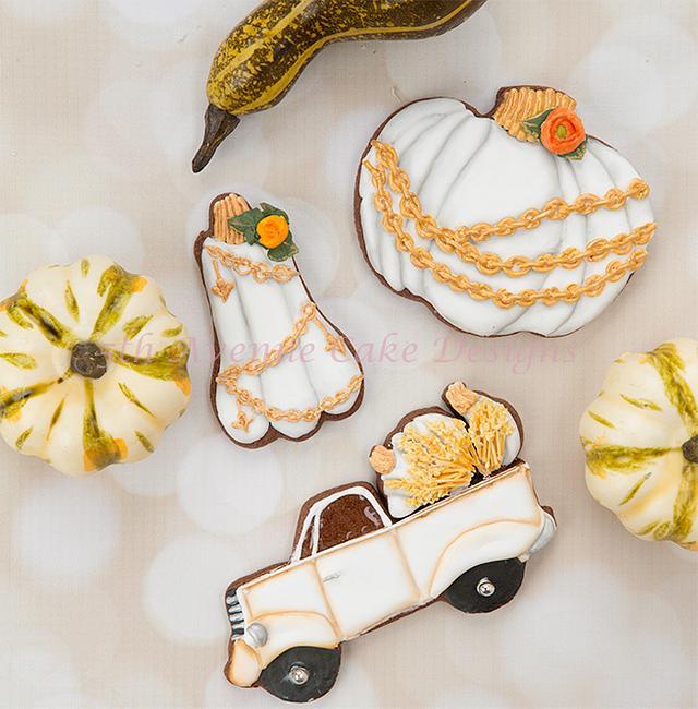 Decorated Vintage Pumpkin Cookies 🍂🍁🌻