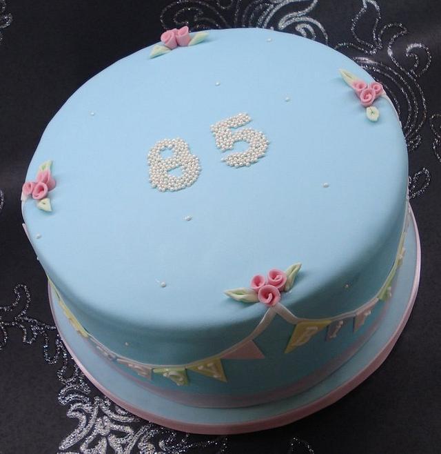 Bunting cake