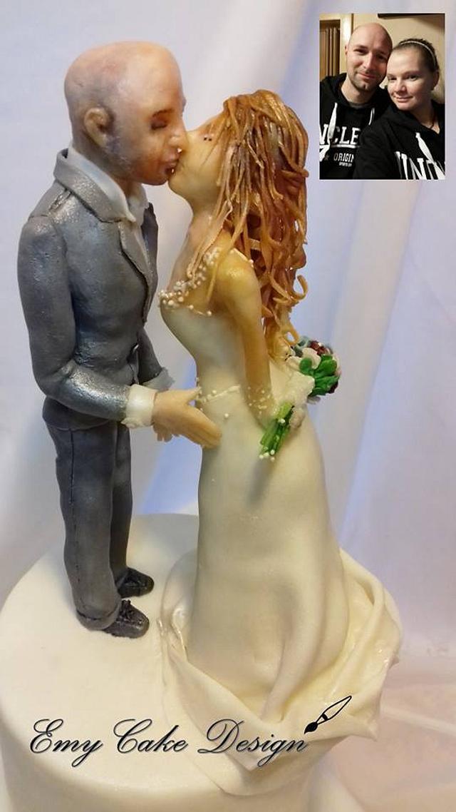 Realistic wedding figures