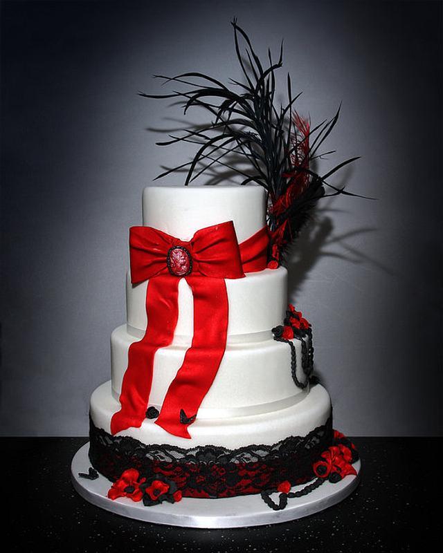 Moulin Rouge Wedding Cake