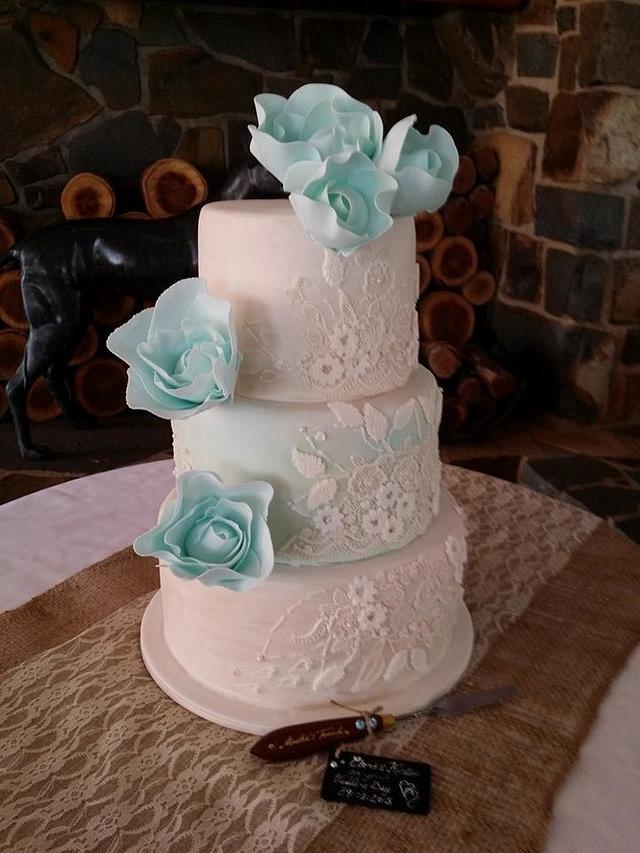 Faye Cahill inspired cake