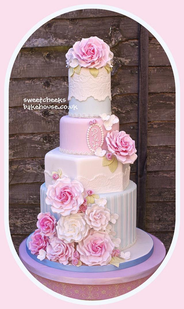 Rose stripe cake