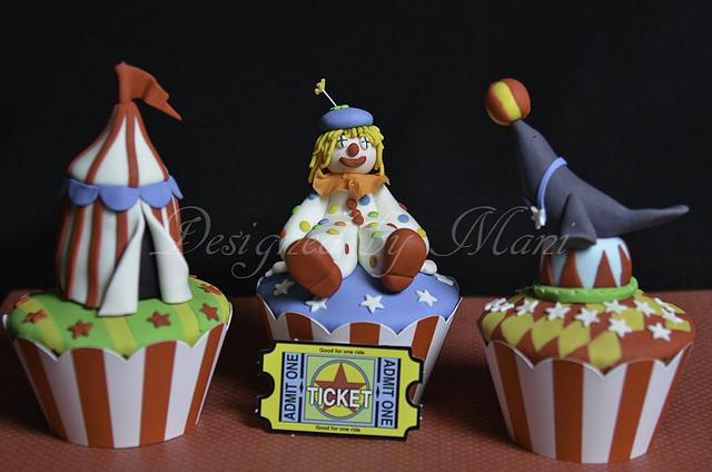 """The """"circus"""" themed cup cakes"""