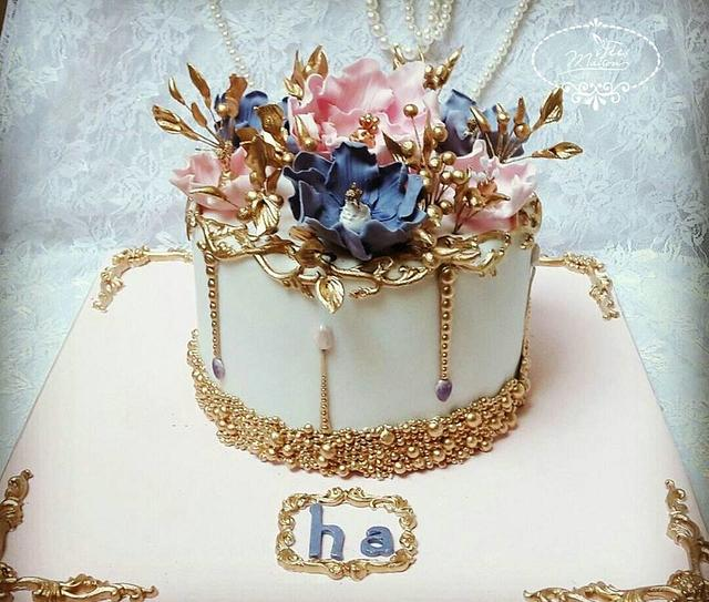 A Chic and Flowery Cake