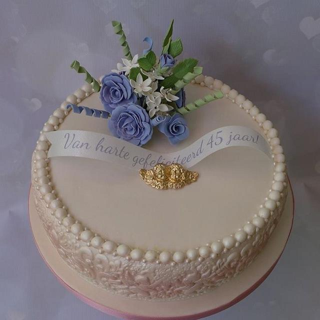 Romantic cake wedding celebrating 45 years.