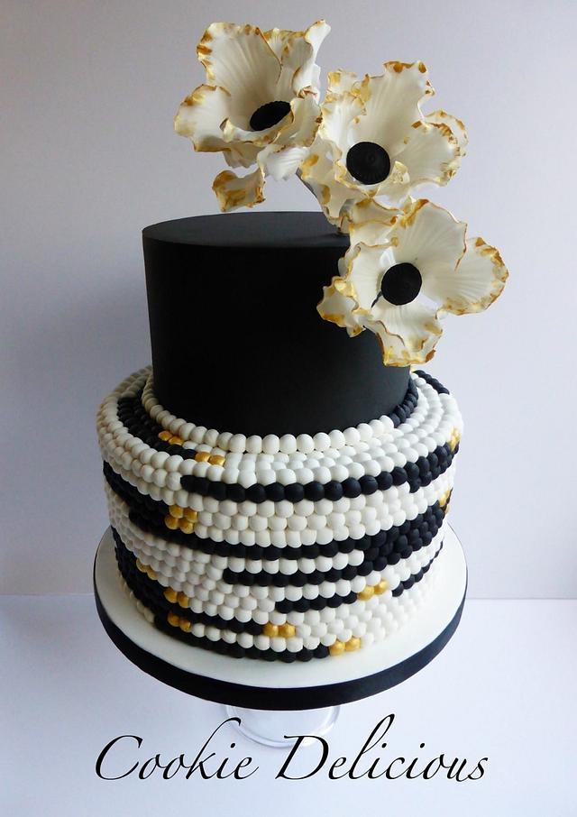 {Freya} black & gold wedding cake