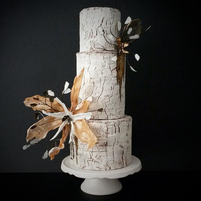 Wedding crackle cake