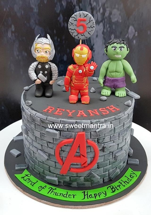 Outstanding Avengers Theme Cake With Iron Man Hulk Thor Figurines Cakesdecor Personalised Birthday Cards Paralily Jamesorg