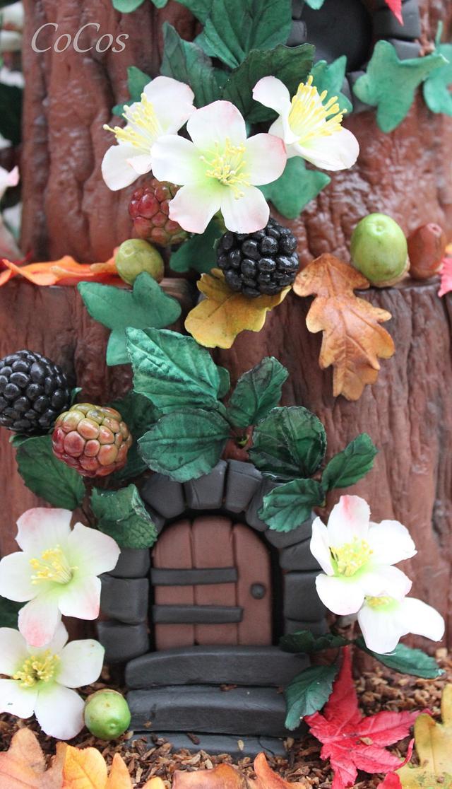 Secret fairy house woodland cake
