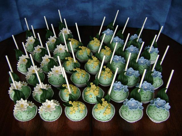 Moms Day Floral Cake Pops