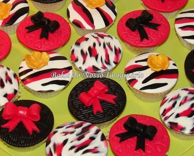 Zebra and Leopard pink Cupcakes