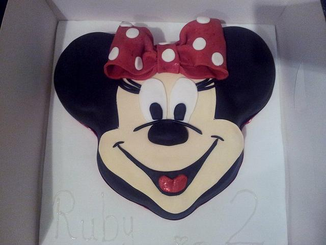 Incredible 2Nd Birthday Minnie Mouse Cake Cake By Jessica Williams Cakesdecor Personalised Birthday Cards Veneteletsinfo