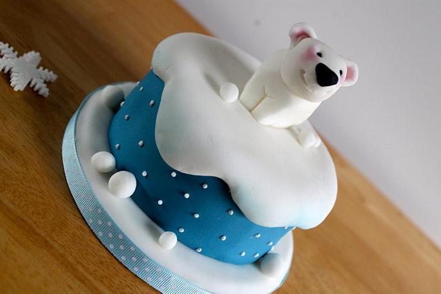 Cute mini Polar bear Christmas cakes